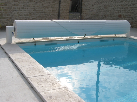 Mcm piscine volet de securite piscine ariege for Pieces detachees pour piscine hors sol