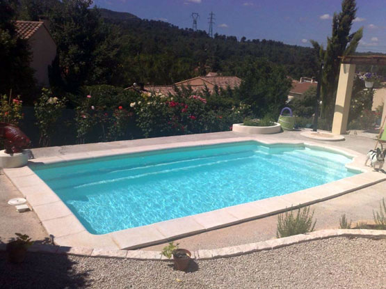 Mcm piscine constructeur piscine ariege construction for Piscine avec coque