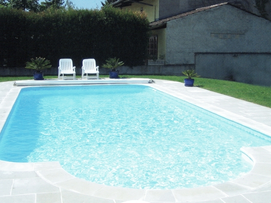 Mcm piscine constructeur piscine ariege construction for Construction piscine 84